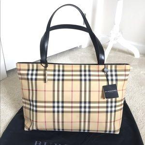 b5fb5e9043e Burberry Bags   Euc Vintage Nova Check Classic Large Tote   Poshmark